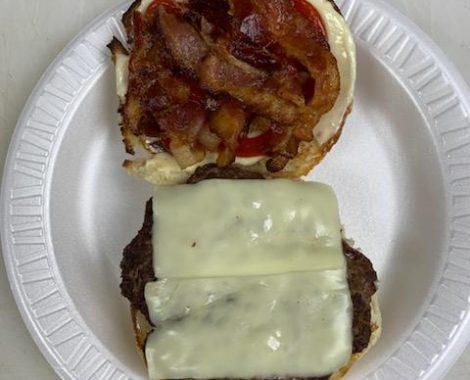Cheeseburger (1/3 lb.) with Bacon
